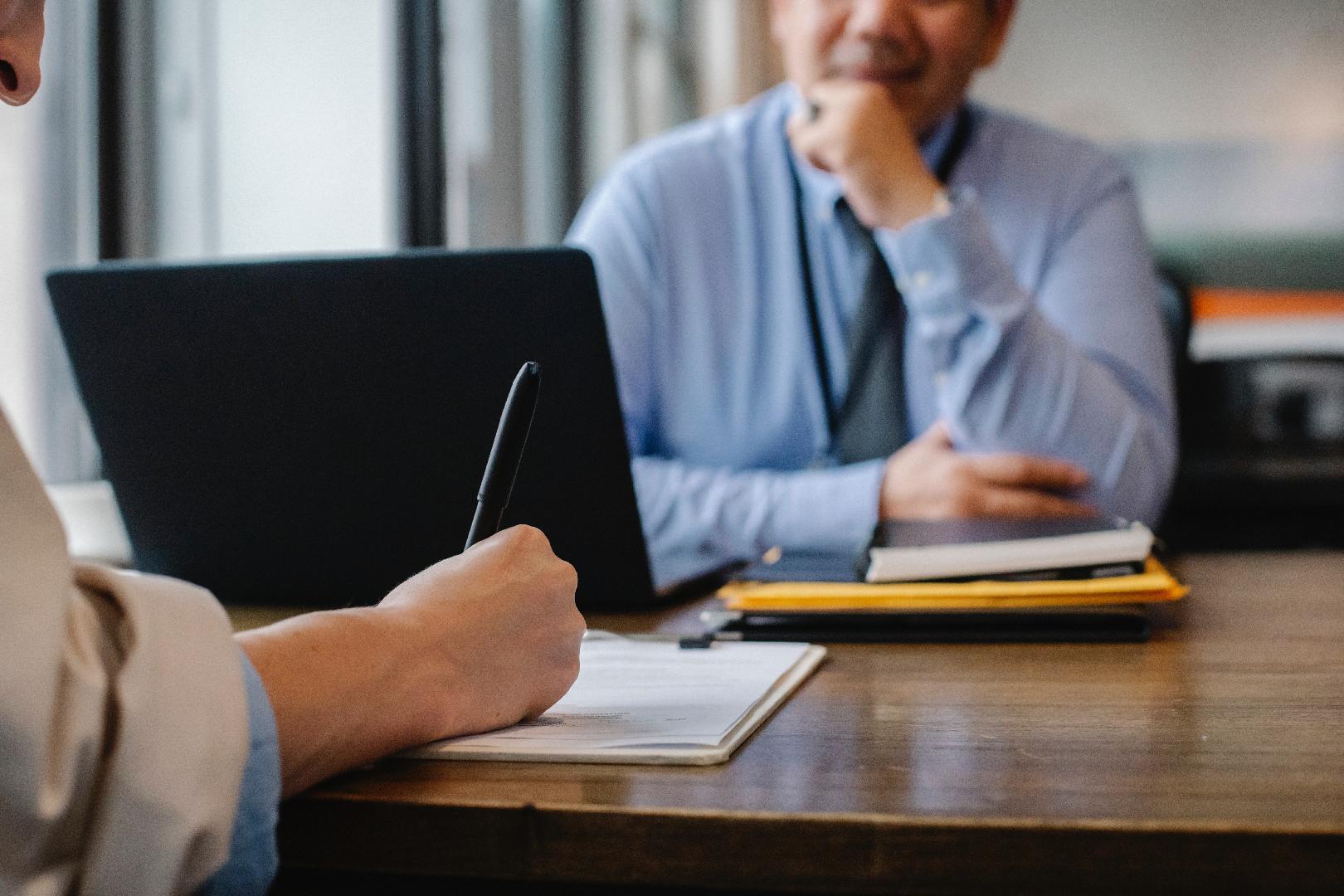 Registro de contratos: ¿por qué es una herramienta fundamental para resguardar los derechos de los odontólogos?